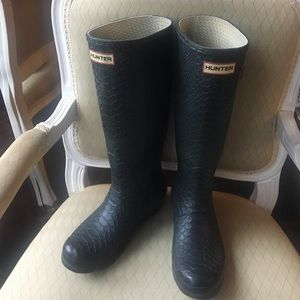 "Hunter Boots ""Carnaby"" Snake Embossed Black"